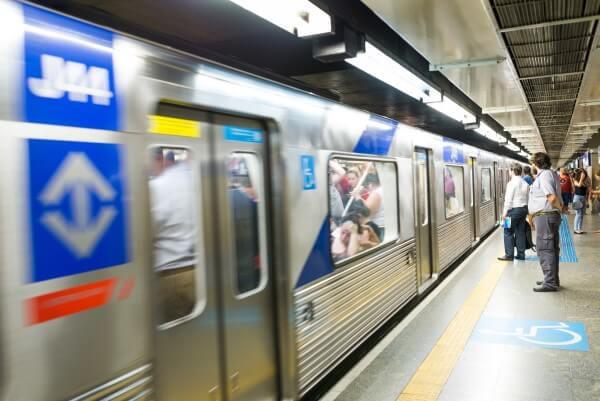 Espaço urbano: metrô lotado (foto: Notícias da Região)