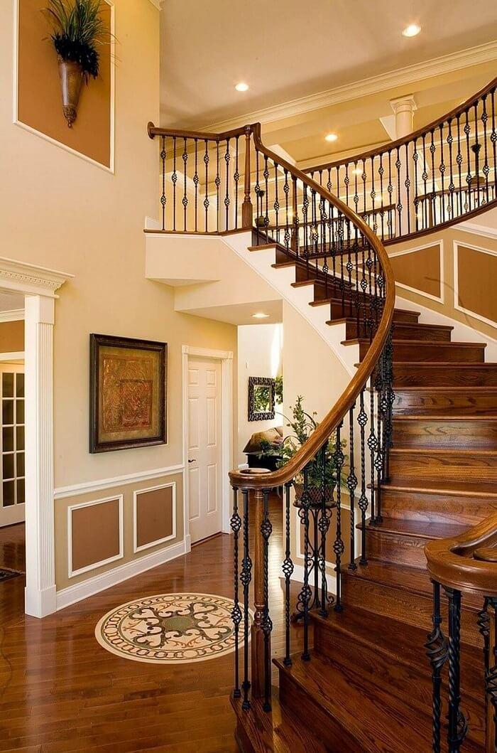 O piso em tons terrosos se destacam na decoração dessa casa colonial moderna. Fonte: Pinterest
