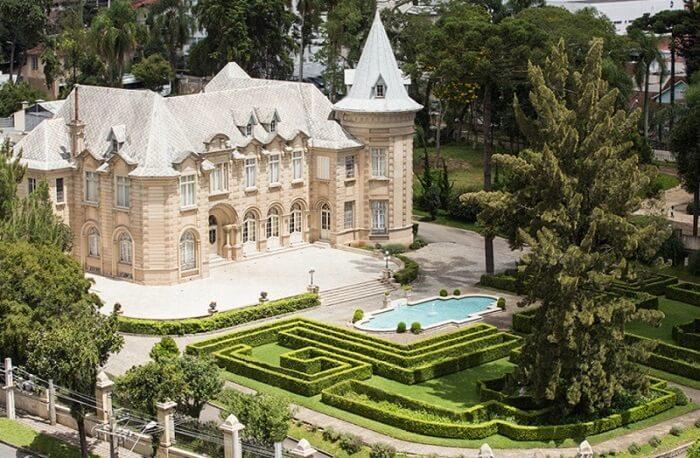 Castelos no Brasil: Castelo do Batel. Fonte: Temporada Livre
