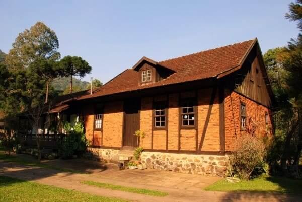 Enxaimel: casa em Gramado - RS (foto: mapio.net)