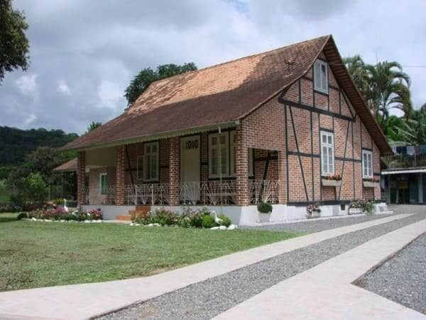 Enxaimel: casa em Indaial - SC (foto: valeeuropeutur.br)