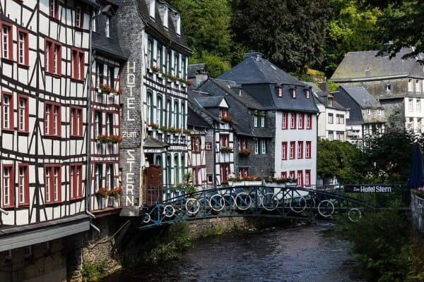 Enxaimel: obras em Monschau (Alemanha) foto: Pixabay