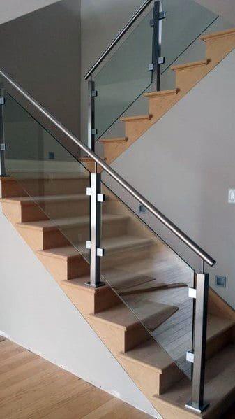 18. Escada em U de cor neutra (foto: Next Luxury)