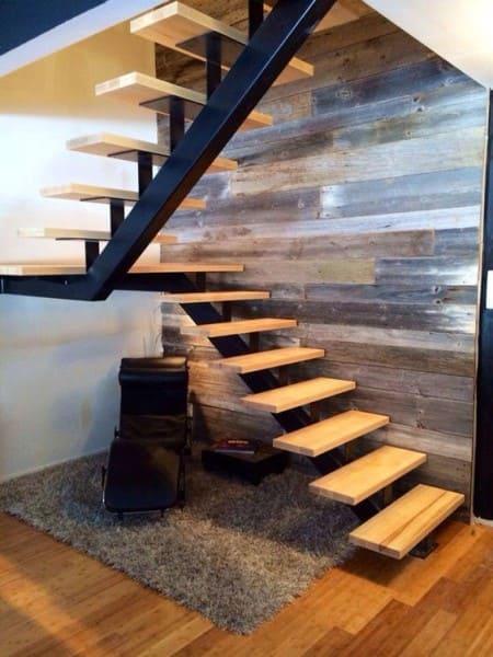 13. Escada em U com degraus vazados (foto: Pinterest)