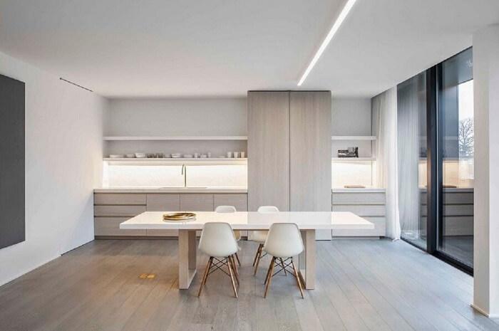 """Estilos de cozinhas minimalistas: a expressão """"menos é mais """" é levada muito a sério nesse estilo de decoração. Fonte: Behance"""