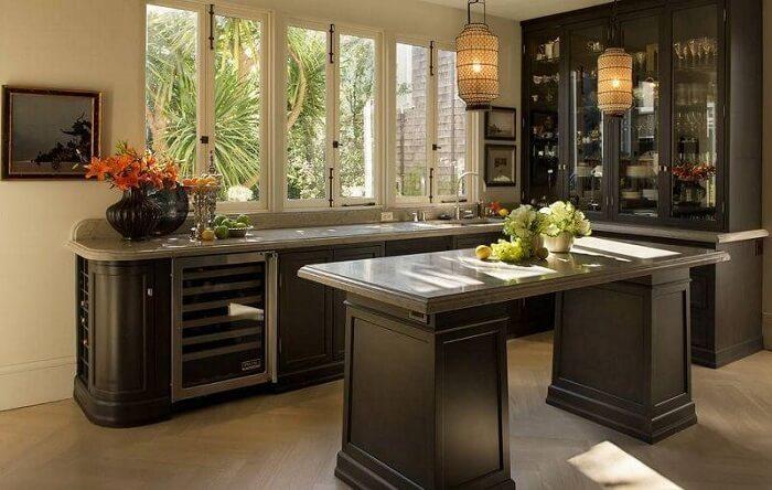 Estilos de cozinhas: o uso da bancada marca as características da cozinha oriental. Fonte: Candace Barnes