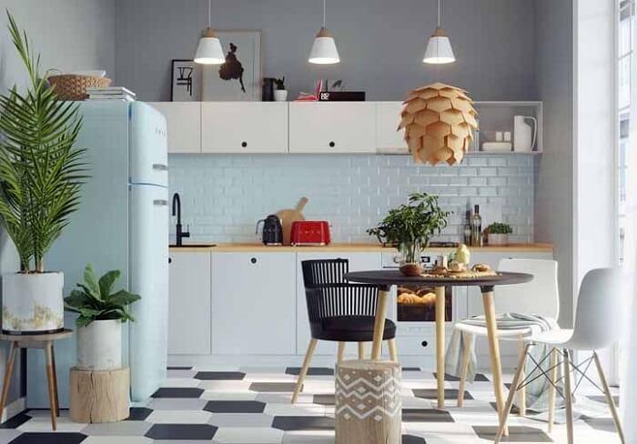 Estilos de cozinhas retrô: a decoração é normalmente formada com móveis e objetos inspirados no design de produtos, da década de 70 e 80. Fonte: Pinterest