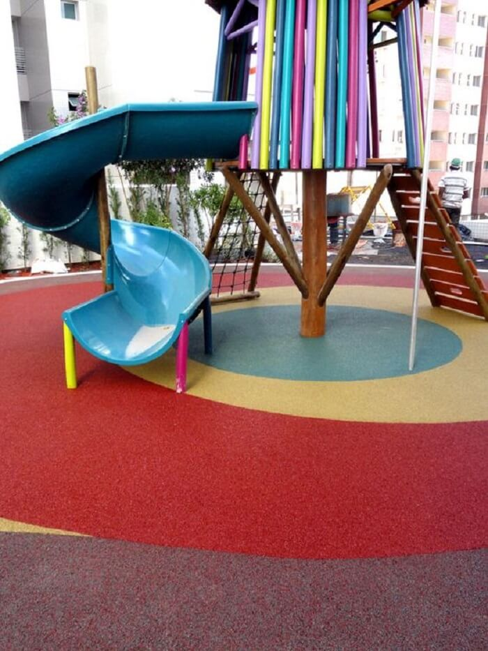 Pisos ecológicos de borracha para playground. Fonte: Piso Leve