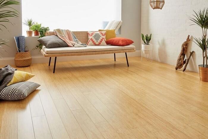Pisos ecológicos o piso de bambu é muito resistente e durável. Fonte: Pinterest