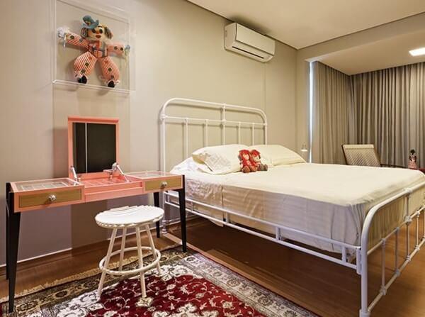 Tipos de camas: cama tradicional de ferro (foto: Isabela Bethonico)