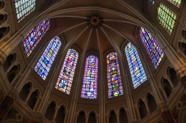 Vitrais: Catedral de Chartes, na França (foto: Um Pouquinho de Cada Lugar)