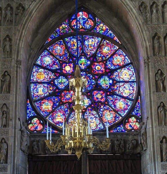 Vitrais: Catedral de Reims - França (foto: Catedrais Medievais)
