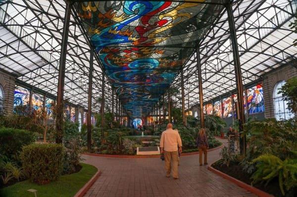 Vitrais: Jardim Botânico Cosmovitral, no México (foto: Melhores Destinos)