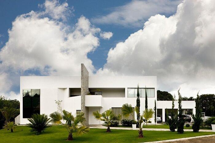 A escolha das cores de fachadas também está ligada com as estratégias de arquitetura climática. Projeto de Alf arquitetura e design
