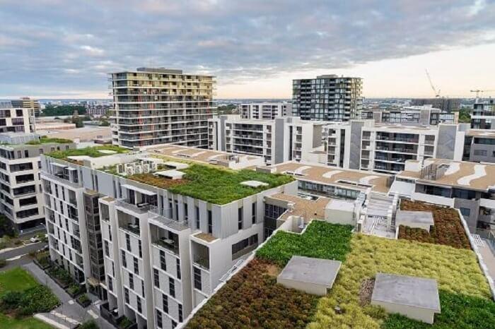 Arquitetura bioclimática: o telhado verde diminui as cargas térmicas recebidas na construção. Fonte: Pinterest