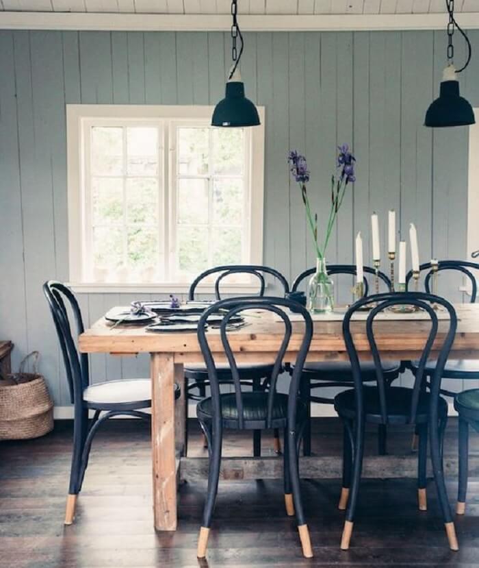 As versões mais modernas da cadeira thonet contam com assento estofado. Fonte: Pinterest