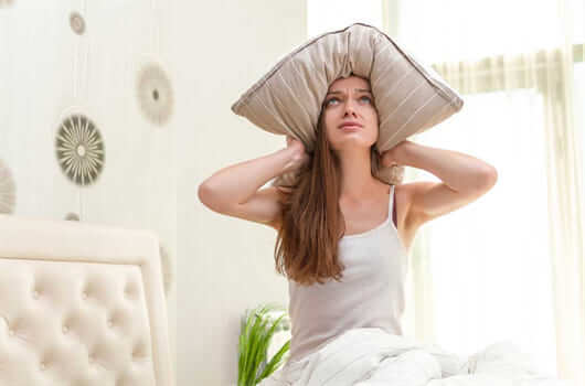 Lã de vidro ajuda no confoto acústico e evita dores de cabeça com os vizinhos (foto: Blog da MRV)