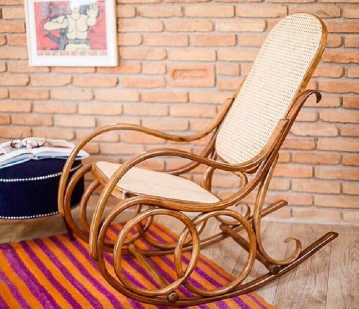 Modelo de cadeira de balanço thonet. Fonte: Pinterest