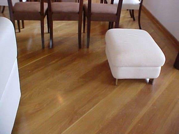 Assoalho de madeira Ipê em sala de jantar integrada (foto: Renefran)