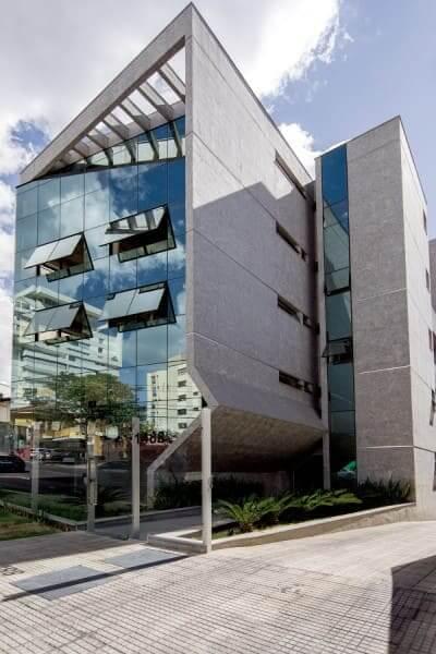 Ecogranito em fachada lateral de prédio (foto: Habitíssimo)