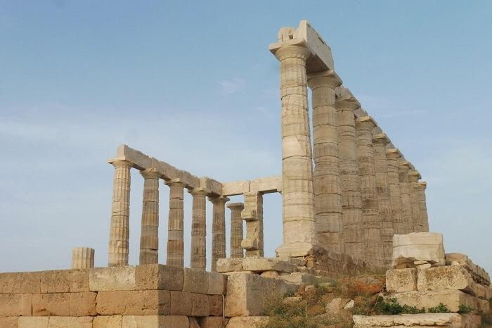 Templos gregos: o templo de Poseidon é cercado pelo mar por três lados. Foto: Receita de Viagem