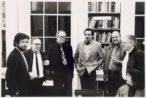Archigram: Única foto conjunta do grupo dos arquivos do Archigram, tirada em 1987, em um jantar comemorativo. Da esquerda para a direita Greene, Chalk, Cook, Webb, Herron, Crompton (foto: Coisas da Arquitetura)