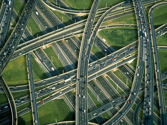 As rodovias são exemplos de elementos culturais da paisagem. Fonte: Catraca Livre