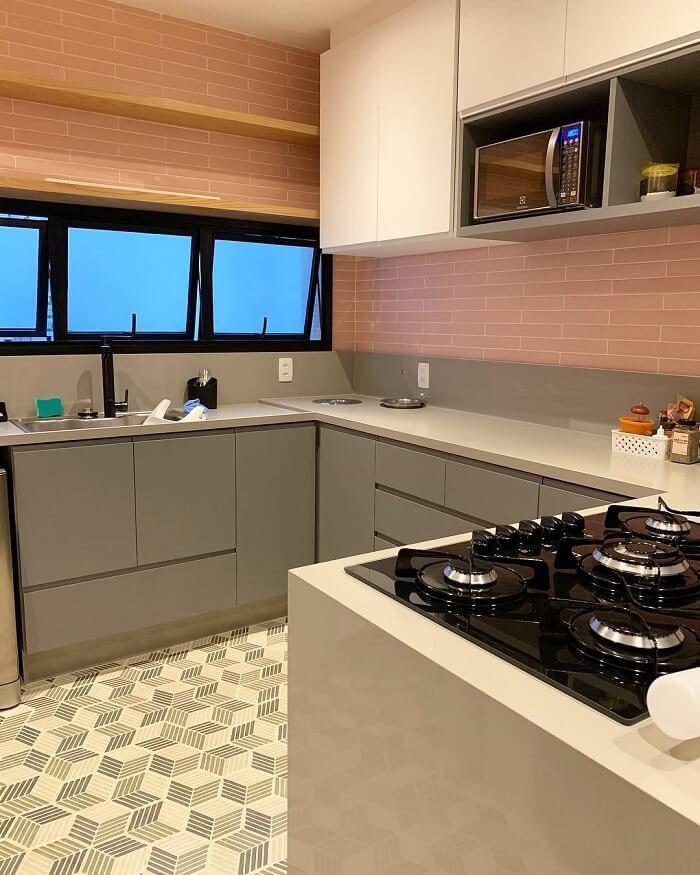 Janela de cozinha basculante. Fonte: Pinterest