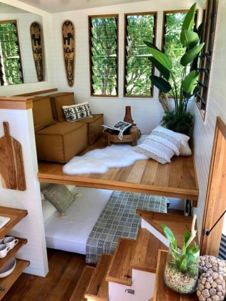 Mini casas: sala suspensa e cama no térreo (foto: Nuno Almeida)