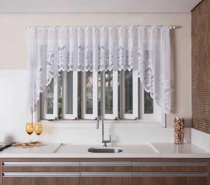 Modelo de cortina para janela de cozinha. Fonte: Pinterest