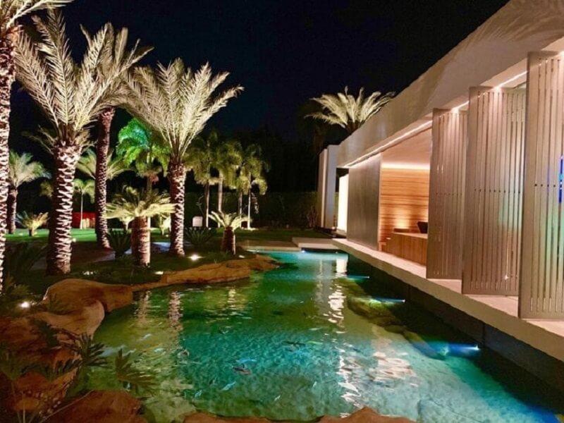 Projetos de piscinas biológicas no Brasil e no mundo estão fazendo cada vez mais sucesso. Fonte: Denise Zuba Arquitetos