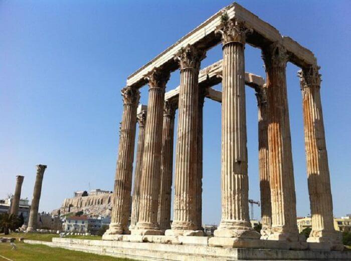 Templos gregos: o templo de Zeus Olímpico se destaca pelo tamanho. Foto: Amón-Ra Travels