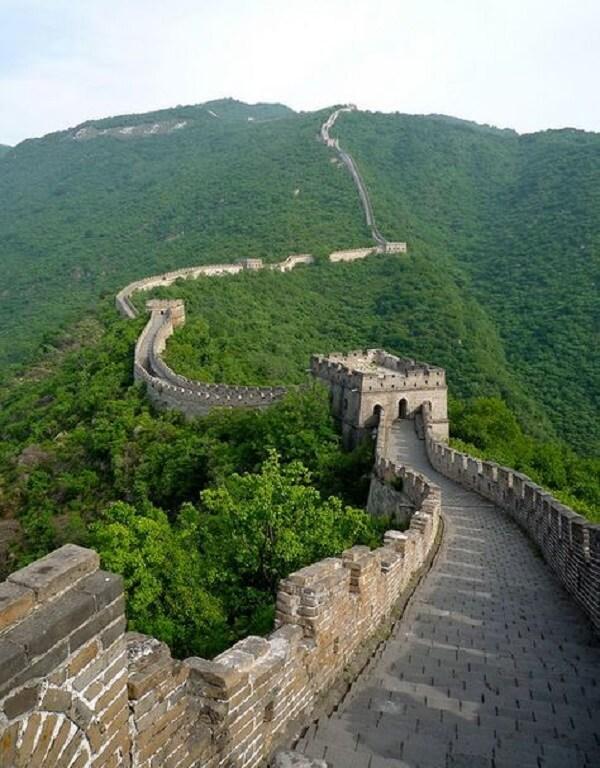 A Muralha da China tem 21.196 quilômetros de comprimento. Fonte: Society 19