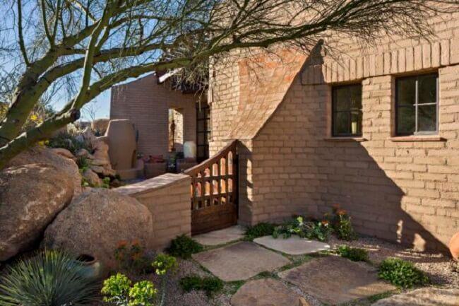 A casa de adobe é muito resistente. Fonte: Urban Design Associates