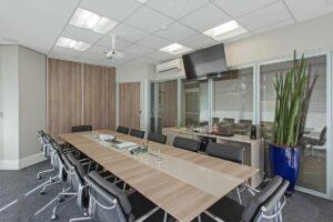 Forro mineral em sala de reunião foto Sesso & Dalanezi Arquitetura+Design
