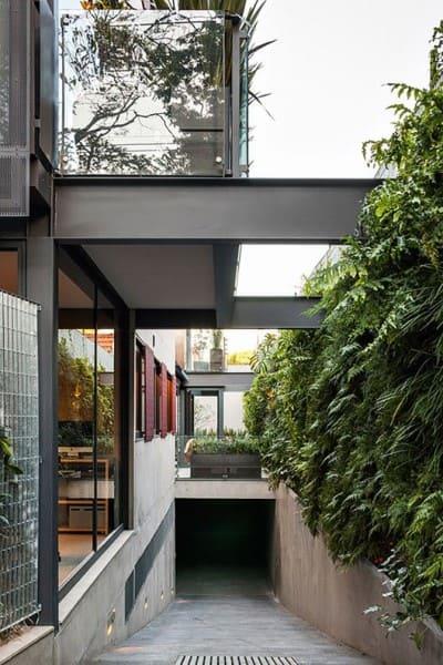 Garagem subterrânea na Galeria de Casa no Jardim Paulistano (foto: Nelson Kon)